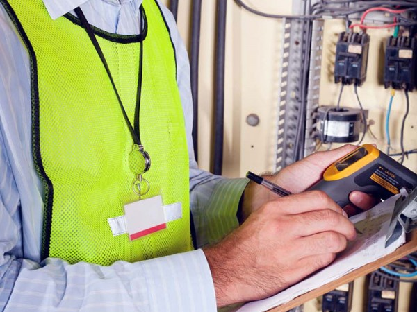 Paragon-Care-Images-4-Electrical-Safety-Testing-Commissioning-Paragon-Care-Service_v1